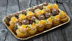Platou Muffins cu ciocolată și citrice Mini Cupcakes, Catering, Desserts, Food, Tailgate Desserts, Deserts, Catering Business, Gastronomia, Essen