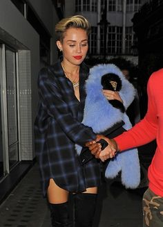 Miley Cyrus. Love this grungy casual look.