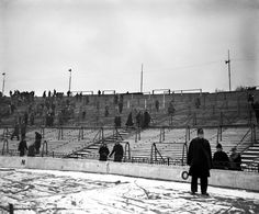 22 February 1956 / A thinly scattered audience watch Chelsea take on Charlton Athletic: With a snowbound Stamford Bridge, understandably a sparse crowd turn out to see the match. Understanding Football, Chelsea Fc, Chelsea Football, Retro Football, Charlton Athletic, Fine Art Prints, Canvas Prints, Football Stadiums, Football Fans