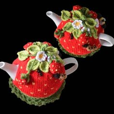 Strawberry Field Tea Cosy Knitting Crochet pattern by T Bee Cosy Tea Cosy Knitting Pattern, Tea Cosy Pattern, Knitting Patterns, Crochet Patterns, Scarf Patterns, Knitting Tutorials, Stitch Patterns, Mushroom Tea, Knitted Tea Cosies