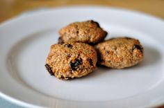 "Paleo Cinnamon ""Oatmeal"" Raisin Cookies"