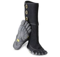 Vibram FiveFingers Cervinia - For those of you who live in four-season climates but love quirky toe shoes so much you would wear them in the snow, have pleasant surprise for. Tactical Clothing, Tactical Gear, Tactical Survival, Toe Shoes, Shoe Boots, Rain Boots, Vibram Fivefingers, Five Fingers, Things To Buy