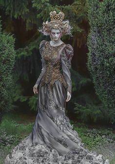 Combine the mythical costume designs and elaborate headpieces of Poland's Agnieszka Osipa with the ethereal beauty and enchanted environments of photographer A. Lorek and you get breathtaki… Fantasy Photography, Fashion Photography, Fantasy Costumes, Petticoats, Headdress, Costume Design, Wearable Art, Fairy Tales, Cosplay
