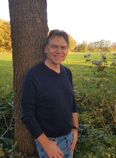 Hans Wijngaard geneest van alvleesklierkanker door THC wietolie - Mediwietsite Cannabis Oil, Mens Tops
