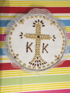 Θρησκεία Greek Pastries, Beeswax Candles, Recipies, Food And Drink, Easter, Christmas Tree, Faith, Traditional, Holiday Decor