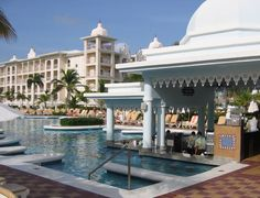 Hotel Riu Palace Punta Cana 5* All Inclusive - pool with swim-up bar | Get Rates