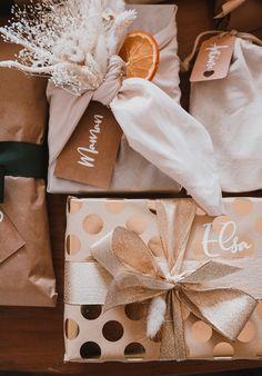 Mes emballages cadeaux de Noël 2020 - Pauline Dress - Blog Mode, Lifestyle et Déco à Besançon Pauline Dress, Furoshiki, Wraps, Gift Wrapping, Lifestyle, Etsy, Blog, Christmas, Gifts