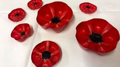 Plastic bottle poppies cover Sutton Remembrance roundabout - BBC News Remembrance Day Images, Remembrance Sunday, Painting Plastic, Diy Painting, Plastic Flowers, Red Flowers, Poppy Wreath, Anzac Day, Arts And Crafts