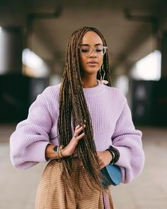 Long box braids: Woman with extra long brunette box braids, wearing a lilac jump. - Long box braids: Woman with extra long brunette box braids, wearing a lilac jumper and glasses - Half Braided Hairstyles, Box Braids Hairstyles For Black Women, Down Hairstyles, Hairstyles 2018, Short Box Braids, Blonde Box Braids, Black Braids, Brown Box Braids, Long Braids