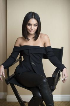 Vanessa Hudgens by Stewart Cook for Variety at the TCA Winter Press Tour in Pasadena - January Style Vanessa Hudgens, Vanessa Hudgens Short Hair, Gabriela Montez, Model Foto, Looks Black, Models, Woman Crush, Simple Outfits, Hair Colors