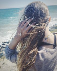 || windy day at the beach, gonna love brushing out this hair later  // featuring the Rose Quartz Hand Chain xx . . . . . . . . . . . . . #oceanconservation #vscocam #jewelryforacause #jewelrydesigner #saveourseas #handchain #goldchain #rosequartz #healingcrystals #festivalfashion #beachday #ocean #bohemian #boho #boholuxe #bohochic #shopifypicks #saltyhair