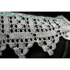 LONG VOLANT - CROCHET D'ART PASSE RUBAN - linge ancien