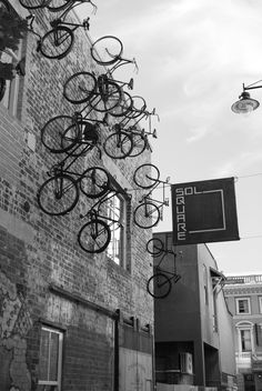 Bikes on the wall. No relation to Kinks' song of similar name. @Jorge Martinez Martinez Cavalcante (JORGENCA)