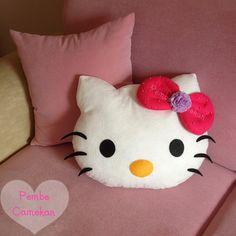 PEMBE CAMEKAN - Keçe Tasarım Atölyesi -   Hello Kitty Yastık  Bilgi ve sipariş için: pembecamekan@hotmail.com