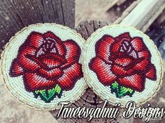 Beaded roses done in size Charlotte cut beads. Native Beading Patterns, Beadwork Designs, Bead Embroidery Patterns, Native Beadwork, Native American Beadwork, Beaded Jewelry Patterns, Loom Patterns, Beaded Embroidery, Beading Projects
