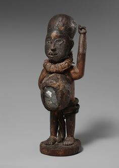 A KONGO POWER FIGURE  Democratic Republic of the Congo, Auktion 1045 Afrikanische und Ozeanische Kunst, Lot 163