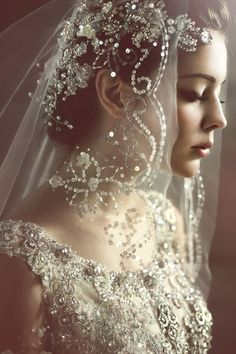 39 Stunning Wedding Veil & Headpiece Ideas For Your 2016 Bridal Hairstyles gorgeous wedding veil ideas Perfect Wedding, Dream Wedding, Wedding Day, Wedding Anniversary, Anniversary Gifts, French Wedding, Boho Wedding, Sequin Wedding, Modest Wedding
