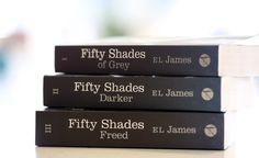 """Eigentlich war """"Fifty Shades of Grey"""" als Trilogie konzipiert. Aber: Jetzt gibt es nicht nur eine Fortsetzung aus der Sicht von Christian Grey selbst –es soll noch einen fünften Teil geben…"""