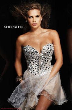 Sherri Hill prom and pageant dresses for those who really want to showcase elegance, beauty and femininity. Shop the Sherri Hill gowns online today! Vestido Sherri Hill, Sherri Hill Short Dresses, Homecoming Dresses, Bridesmaid Dresses, Dress Prom, Strapless Dress Formal, Formal Dresses, Strapless Corset, Prom Dress Shopping