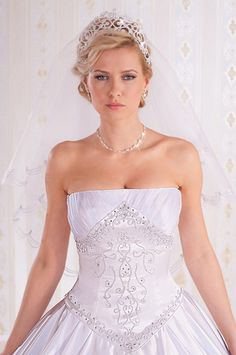 Hungarian wedding dress 03