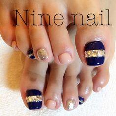 かわいいネイルを見つけたよ♪ #nailbook Pedicure Designs, Pedicure Nail Art, Toe Nail Designs, Toe Nail Art, Manicure And Pedicure, Pedicures, Cute Toe Nails, Fancy Nails, Diy Nails