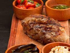 El bife de chorizo es una comida típica de Buenos Aires, la capital argentina…