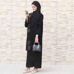 Repost @haneenalsaify with @instatoolsapp ・・・ اذا اردت ان تكون فاشلاً حاول ان ترضي كل الناس.. Agree or disagree? ✨ . Abaya by : @eleganza.couture . . #subhanabayas #fashionblog #lifestyleblog #beautyblog #dubaiblogger #blogger #fashion #shoot #fashiondesigner #mydubai #dubaifashion #dubaidesigner #dresses #capes #uae #dubai #abudhabi #sharjah #ksa #kuwait #bahrain #oman #instafashion #dxb #abaya #abayas #abayablogger #абая
