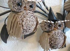 Recycle Reuse Renew Mother Earth Projects: How to make Corrugated Cardboard Owl - cute idea for halloween Kids Crafts, Owl Crafts, Diy And Crafts, Craft Projects, Arts And Crafts, Paper Crafts, Craft Ideas, Family Crafts, Decorating Ideas
