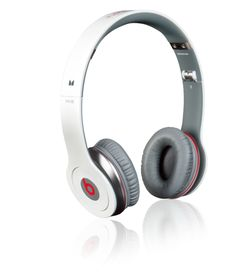 Beats Studio by Dr. Dre - Hi-Def Noise-Canceling Over-Ear Headphones.. awesome design and sounds....!