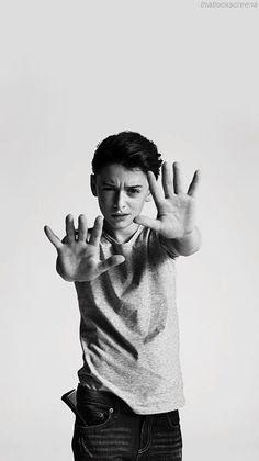 ᴿᵃᶻᵒᶰᵉˢ ᵖᵃʳᵃ ᵃᵐᵃʳ ᵃ ᴺᵒᵃʰ ˢᶜʰᶰᵃᵖᵖ Su forma de ser - Friendzone Funny - Friendzone Funny meme - - Friendzone Noah Schnapp y tu Tres Wattpad The post . ᴿᵃᶻᵒᶰᵉˢ ᵖᵃʳᵃ ᵃᵐᵃʳ ᵃ ᴺᵒᵃʰ ˢᶜʰᶰᵃᵖᵖ Su forma de ser appeared first on Gag Dad. Stranger Things Actors, Watch Stranger Things, Stranger Things Steve, Stranger Things Aesthetic, Stranger Things Netflix, My Future Boyfriend, Dream Boyfriend, Noah, Millie Bobby Brown