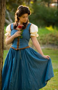 Belle Cosplay http://geekxgirls.com/article.php?ID=1167