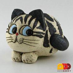 Figurka černá kočka 13 cm Pottery Animals, Ceramic Animals, Ceramic Art, Stone Crafts, Rock Crafts, Animal Gato, Clay Wall Art, Clay Cats, Cat Statue