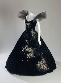 Costume designed by Adrian for Greta Garbo in Camille (1936).  Form the Museum at FIT