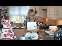 Little Venice Cake Company: How To Hand Paint Your Cake with coco butter