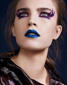 Punk shoot - Photography - Josh van Gelder - Make-up Lisa Eldridge @ Premier - Hair Keiichiro Hirano @ DWM - Model - Jana Knauerova @ Models 1 Make Up Looks, Nail Art Designs, Blaues Make-up, Blue Lipstick, Purple Eyeliner, Eyeliner Makeup, Fx Makeup, Makeup Tips, Lisa Eldridge