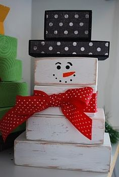 Leftover 2x4 project! I'm always looking for more ways to use scraps of wood. Check out this snowman made from 2x4's.