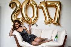 New year photoshoot : New year photoshoot New Year Photoshoot, Ideas Para Photoshoot, Photoshoot Inspiration, Mini Sessions, Photo Sessions, New Year Calendar, Calendar Ideas, New Year Pictures, Hair Images