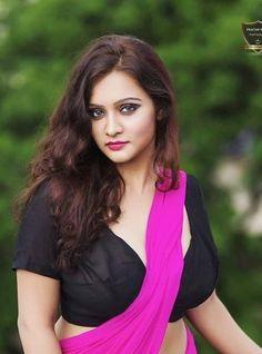 Beauty Full Girl, Beauty Women, Anushka Latest Photos, Saree Photoshoot, Curvy Dress, Androgynous Fashion, Bollywood Girls, Most Beautiful Indian Actress, Indian Beauty Saree