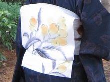 夏至 / 向日葵唐草文様の単衣結城縮に枇杷の絽塩瀬の染め帯 の画像 きもの カンタービレ♪