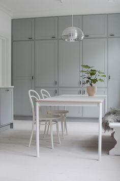 Pihkala: VALMIS KEITTIÖ | OUR NEW KITCHEN Kitchen Decor, Kitchen Inspiration Design, Kitchen Inspirations, Home Interior Design, Living Dining Room, New Kitchen, Decor, Interior, Kitchen Gifts