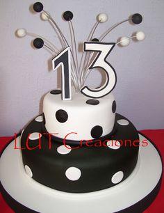 Torta Decorada de Cumpleaños en Blanco y Negro