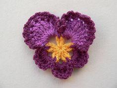 Granny's Pansy - Free crochet pattern by Dedri Uys