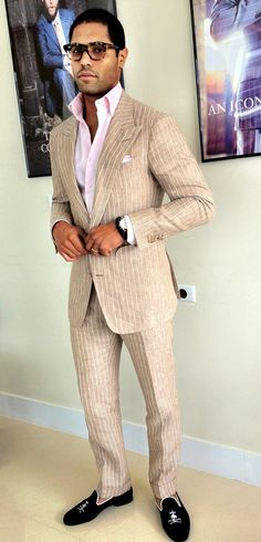 Cool Summer Linen Custom Suit paired with Black Linen Persona Bespoke Slippers. Suit Up, Suit And Tie, Sharp Dressed Man, Well Dressed Men, Bespoke Suit, Elegant Man, Summer Suits, Gentleman Style, Men Looks