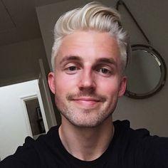 Octavian (older) (but not as smile-y) bleached hair guys, Bleached Hair Guys, Platinum Blonde Hair Men, Mens Hair Colour, Bleach Blonde Hair, Short Grey Hair, Blonde Guys, Hair And Beard Styles, Silver Hair, Hair Today