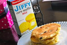 I recently read in an interview article with Dr. Oz that he loves to make blueberry pancakes using Jiffy corn muffin mix and was instantly intrigued. I picked up a box of Jiffy on my last grocery s. Jiffy Cornbread, Cornbread Muffins, Breakfast Dishes, Breakfast Recipes, Jiffy Mix Recipes, Hoe Cakes, Eat And Run, Corn Muffin Mix, How To Make Pancakes