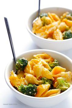 Broccoli Cheddar Chicken Mac and Cheese Recipe | gimmesomeoven.com