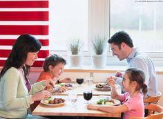 U IKEA Restoranu možeš pronaći nešto za sebe, ali i za svoje najmlađe jer do 30. 9. djeca mogu birati između 2 besplatna obroka: 5 mesnih okruglica s prilogom i dječje tjestenine. Dobar tek! www.IKEA.hr/posebne_ponude