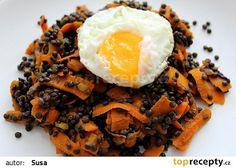 Kořeněná černá čočka s mrkví recept - TopRecepty.cz Waffles, Smoothie, Vegan Recipes, Toast, Beef, Breakfast, Fitness, Health, Ethnic Recipes
