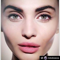 #Repost @rickdicecca with @repostapp  Semplice Bellezza Naturale!  Si o No? A me fa impazzire   Make up realizzato con i nostri prodotti #Artistry dal famoso #makeupartist d'ispirazione globale Rick DiCecca. _______________________________ #naturalbeauty #rickdiceccabeauty #makeup #instamakeup #cosmetic #cosmetics #TFLers #fashion #eyeshadow #lipstick #picoftheday #mascara #palettes #eyeliner #lip #lips #sexy #concealer #foundation #powder #eyes #eyebrows #lashes #lash #girl  #beauty…