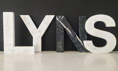 Bestel nu gemakkelijk online LIJNS letters voor je interieur van wit en zwart marmer!